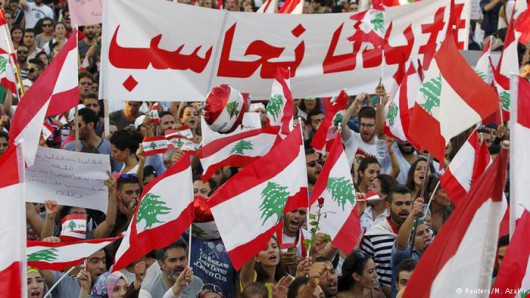 Bejrut, Liban - Tysiące demonstrantów chce upadku reżimu -2