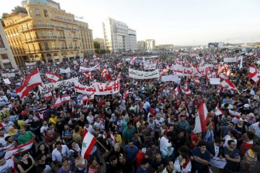 Bejrut, Liban - Tysiące demonstrantów chce upadku reżimu -3