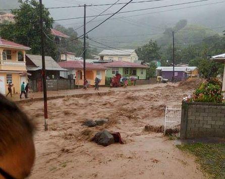 Burza tropikalna Erika przetoczyła się przez Karaiby -2