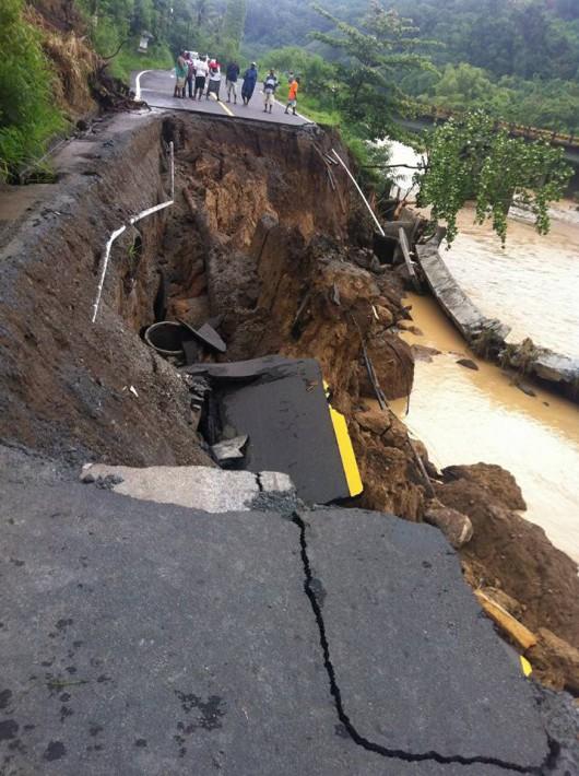 Burza tropikalna Erika przetoczyła się przez Karaiby -3