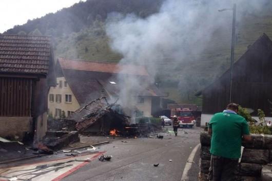 Dittingen, Szwajcaria - Dwa samoloty zderzyły się na pokazie lotniczym -1