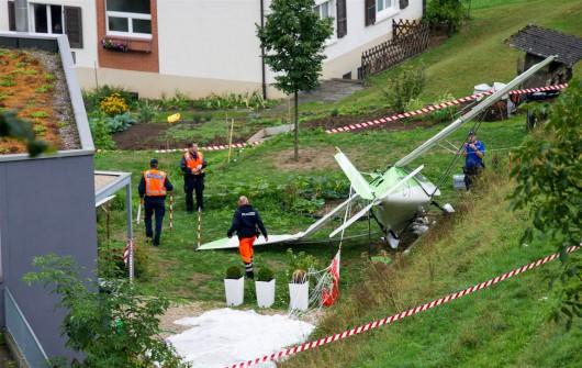 Dittingen, Szwajcaria - Dwa samoloty zderzyły się na pokazie lotniczym -2
