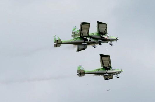 Dittingen, Szwajcaria - Dwa samoloty zderzyły się na pokazie lotniczym
