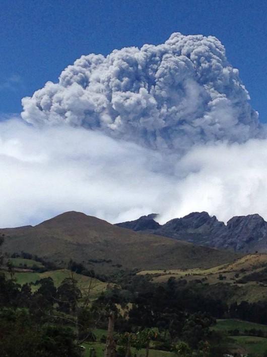Ekwador - Ogłoszono stan wyjątkowy, budzi się wulkan Cotopaxi