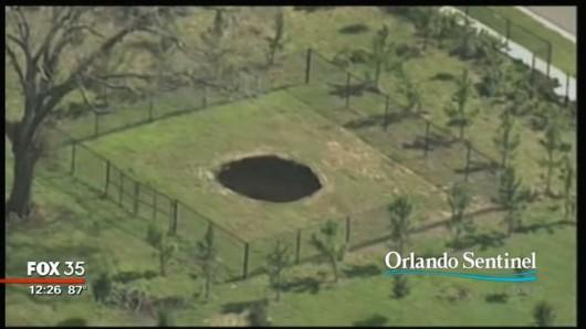 Floryda, USA - Ponownie otworzył się lej krasowy -1