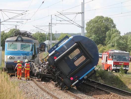 Horažďovice, Czechy - Zderzyły się dwa pociągi pospieszne, 50 osób rannych -1