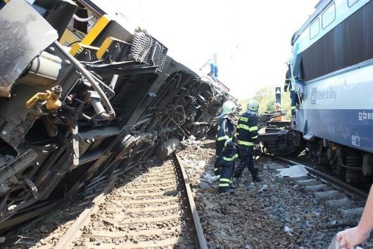 Horažďovice, Czechy - Zderzyły się dwa pociągi pospieszne, 50 osób rannych -2