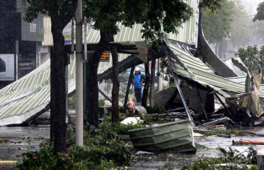 Najsilniejszy w tym roku tajfun Soudelor zabił 8 osób w Chinach i 6 w Tajwanie -10