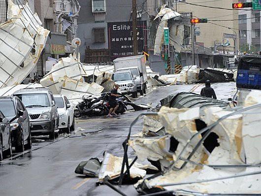 Najsilniejszy w tym roku tajfun Soudelor zabił 8 osób w Chinach i 6 w Tajwanie -11