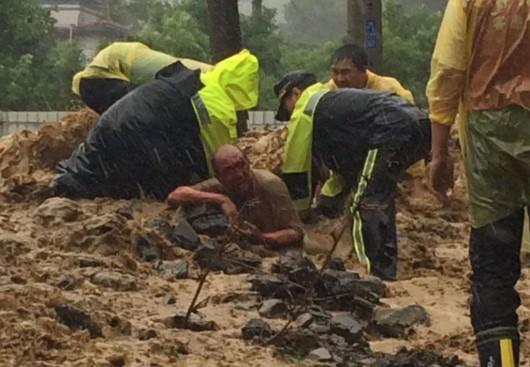 Najsilniejszy w tym roku tajfun Soudelor zabił 8 osób w Chinach i 6 w Tajwanie -2