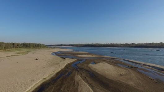 Polska - Rekordowo niski poziom wody w Wiśle, zaledwie 42 cm -2