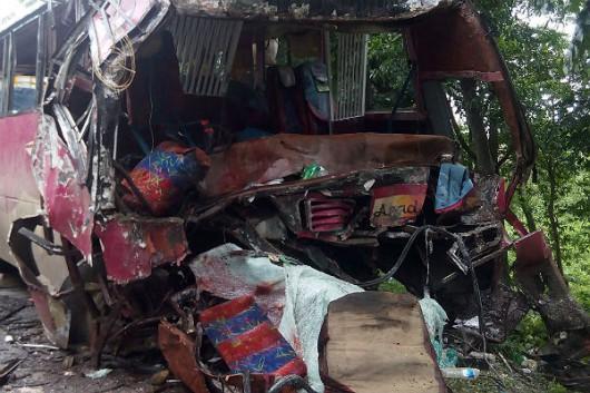 Rosja - Czołowo zderzyły się dwa autobusy w Kraju Chabarowskim -1