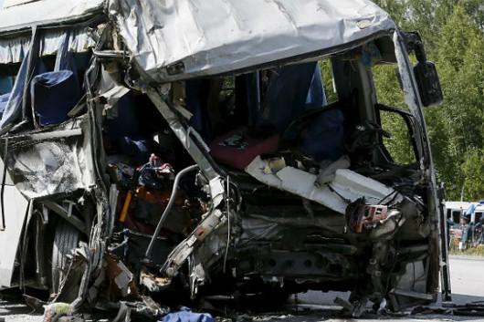 Rosja - Czołowo zderzyły się dwa autobusy w Kraju Chabarowskim -2