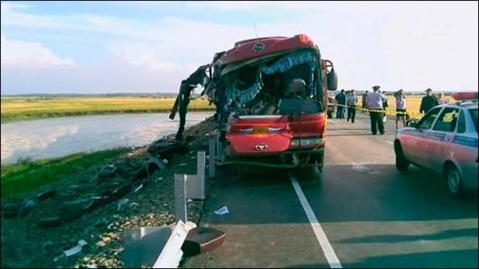 Rosja - Czołowo zderzyły się dwa autobusy w Kraju Chabarowskim -3