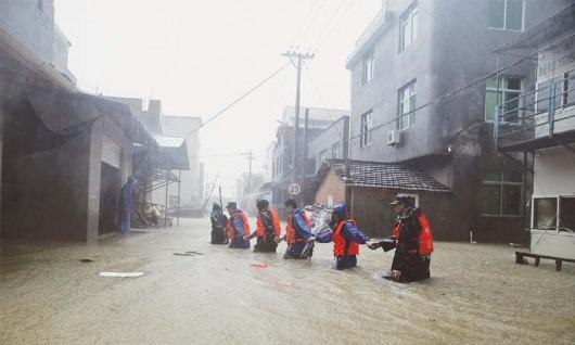 Tajwan - Do 17 wzrosła liczba ofiar tajfunu Soudelor -3