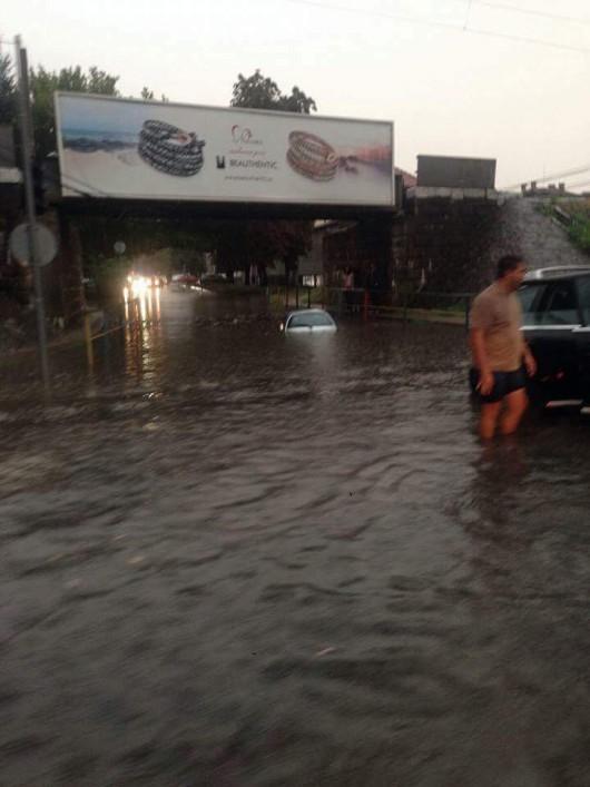 Timisoara, Rumunia - Ulewny deszcz w dwie godziny zatopił miasto -1