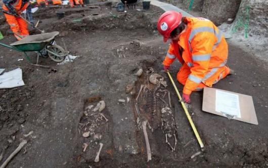 UK - W Londynie znaleziono masowy grób ze zwłokami 30 ofiar wielkiej zarazy z 1665 roku -1