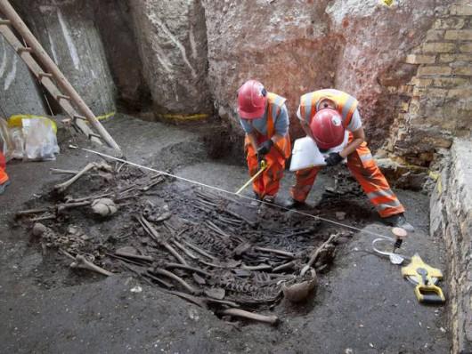 UK - W Londynie znaleziono masowy grób ze zwłokami 30 ofiar wielkiej zarazy z 1665 roku -2