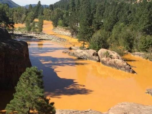 USA - Jedna z rzek w Kolorado zmieniła kolor na pomarańczowy -2