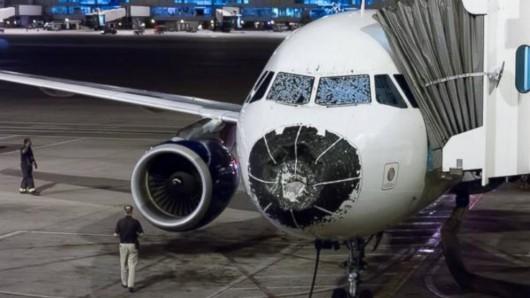 USA - Samolot wleciał w burze gradową -1