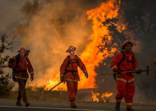 USA - W całej Kalifornii występuje aktualnie 20 pożarów -2