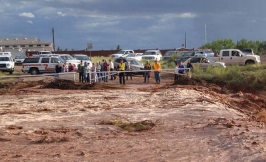 Colorado City, USA - Krótka i potężna ulewa spowodowała powódź i lawiny błotne -5