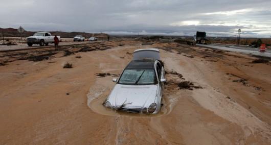 Colorado City, USA - Krótka i potężna ulewa spowodowała powódź i lawiny błotne -6