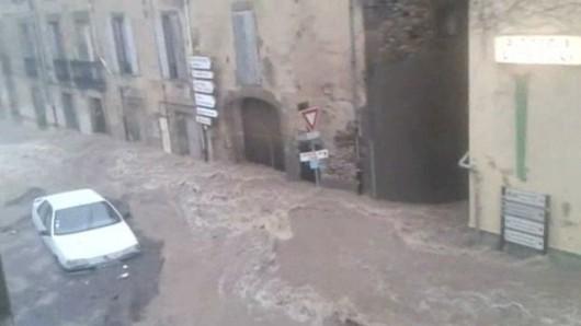 Francja - Ulewny deszcz nad Marsylią, w poniedziałek ciąg dalszy -11
