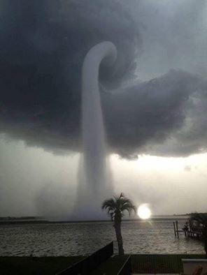 Grecja - Ulewny deszcze i tornado 2