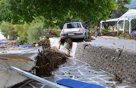 Peloponez, Grecja - Potężne opady deszczu -2