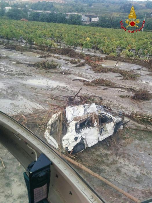 Piacenza, Włochy - Miejscami spadło 200 lmkw deszczu -11