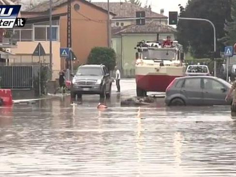Piacenza, Włochy - Miejscami spadło 200 lmkw deszczu -2