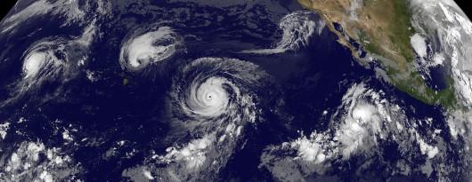 Pierwszy raz w historii trzy huragany wędrują równocześnie przez Pacyfik