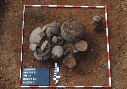 Polska - W okolicach Legnicy natrafiono na doskonale zachowane cmentarzysko sprzed 4000 lat -1