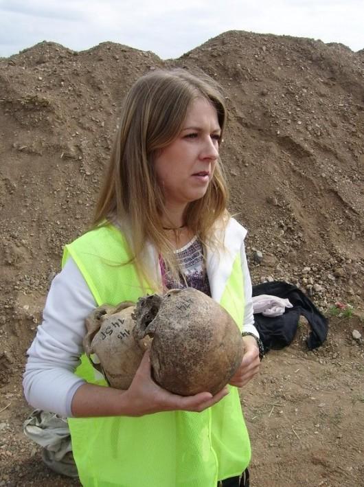 Polska - W okolicach Legnicy natrafiono na doskonale zachowane cmentarzysko sprzed 4000 lat -12