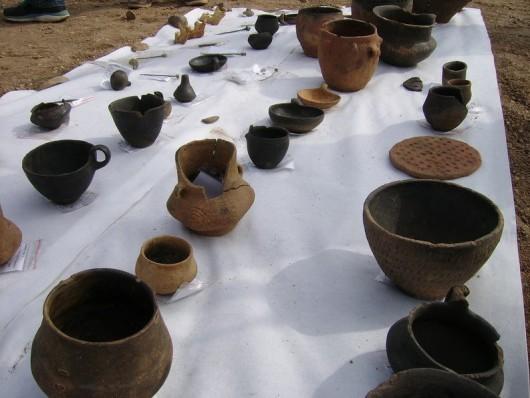 Polska - W okolicach Legnicy natrafiono na doskonale zachowane cmentarzysko sprzed 4000 lat -14
