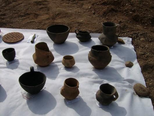 Polska - W okolicach Legnicy natrafiono na doskonale zachowane cmentarzysko sprzed 4000 lat -9