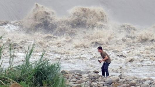 Tajwan - Ponad 1.2 mln osób bez prądu przez tajfun Dujuan -1