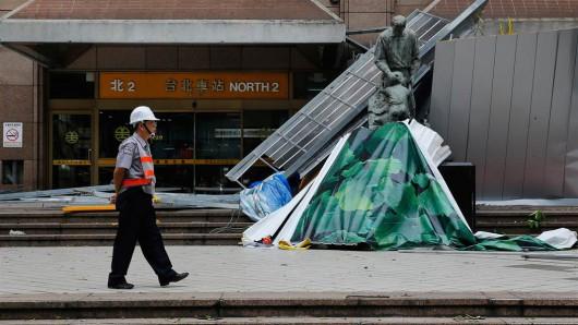 Tajwan - Ponad 1.2 mln osób bez prądu przez tajfun Dujuan -2