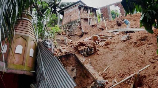 Tajwan - Ponad 1.2 mln osób bez prądu przez tajfun Dujuan -6