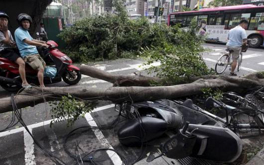 Tajwan - Ponad 1.2 mln osób bez prądu przez tajfun Dujuan -7