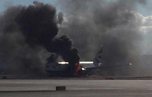 USA - Podczas kołowania na lotnisku w Las Vegas zapalił się silnik w samolocie pasażerskim linii British Airways -4