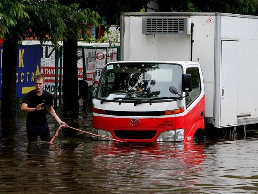 Ussurijsk, Rosja - Potężna nawałnica zalała miasto i zwierzęta w zoo -11