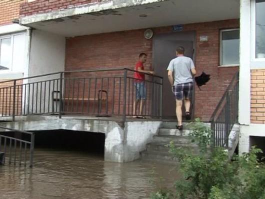 Ussurijsk, Rosja - Potężna nawałnica zalała miasto i zwierzęta w zoo -9