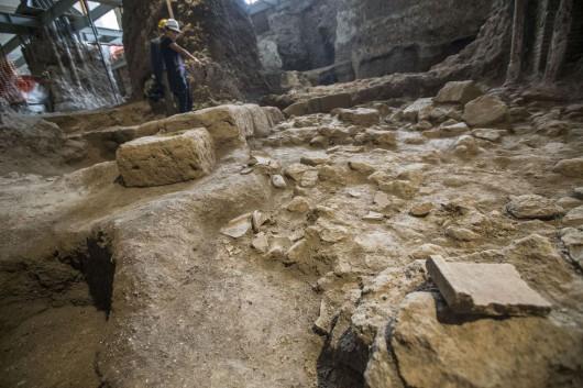 Włochy - W samym centrum Rzymu natrafiono na bardzo dobrze zachowane ruiny małego domu sprzed 2600 lat -2