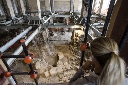 Włochy - W samym centrum Rzymu natrafiono na bardzo dobrze zachowane ruiny małego domu sprzed 2600 lat -5