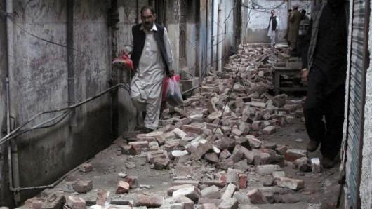 Afganistan - Silne trzęsienie ziemi o magnitudzie 7.5, co najmniej 105 osób zabitych -3