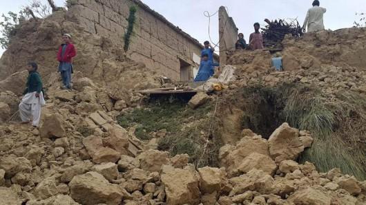Afganistan - Silne trzęsienie ziemi o magnitudzie 7.5, co najmniej 105 osób zabitych -4