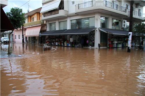 Attyka, Grecja - Ulewne deszcze i duża powódź, jedna osoba nie żyje, ogromne straty -5