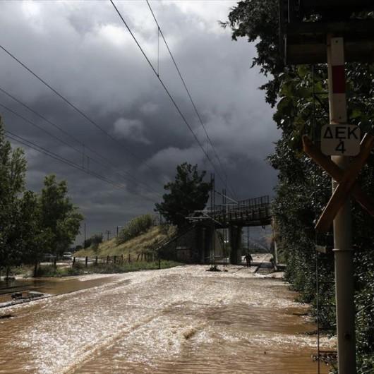 Attyka, Grecja - Ulewne deszcze i duża powódź, jedna osoba nie żyje, ogromne straty -7
